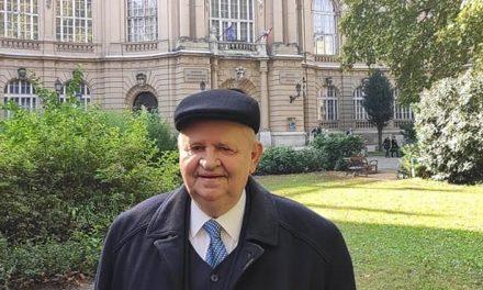 MAGYAR ÉRDEMREND TISZTIKERESZTJE KITÜNTETÉST KAPOTT DR. KOZMA HUBA, KISKUNMAJSA DÍSZPOLGÁRA